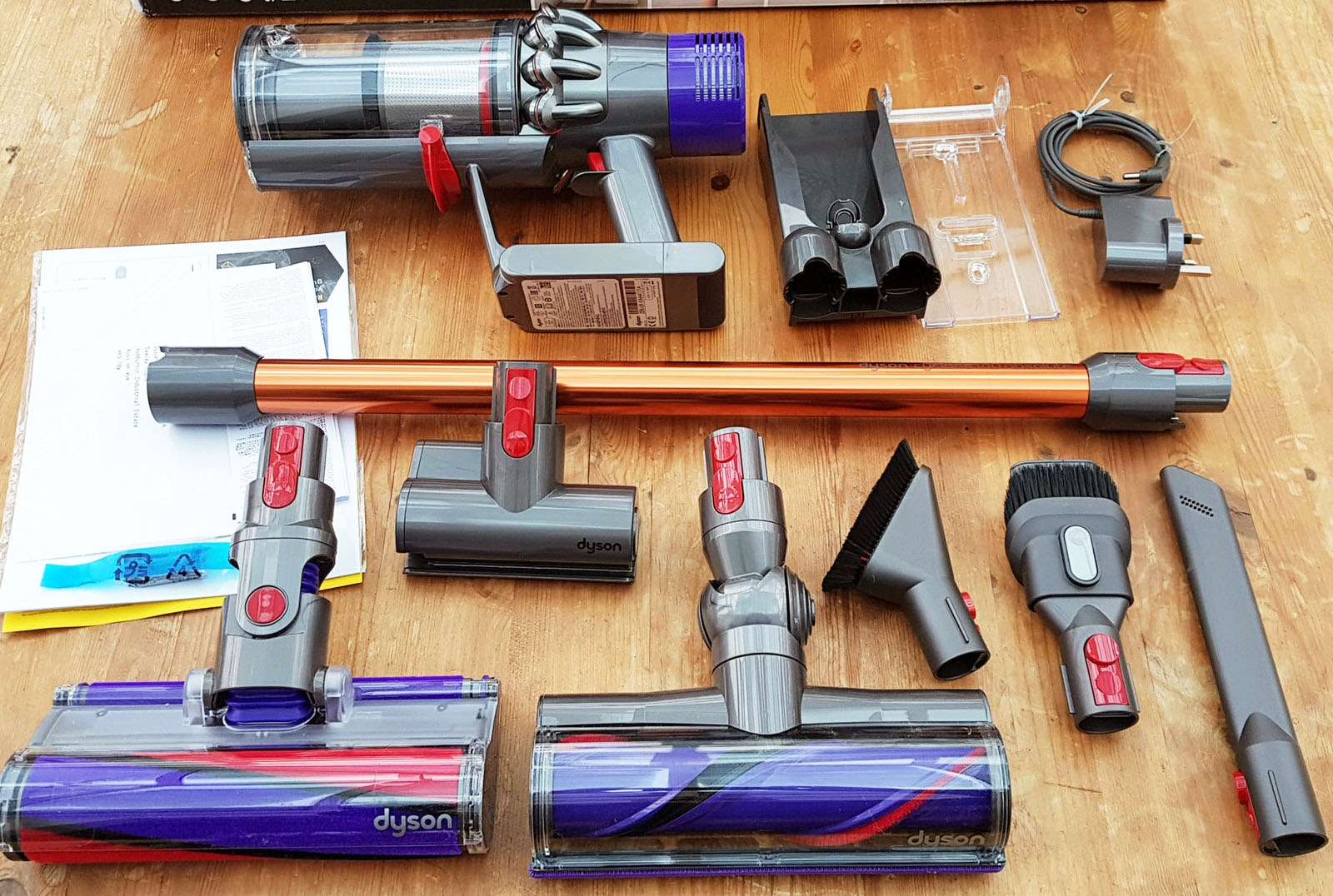 Dyson Cyclone V10 Review And Model Comparison A Gold Medal Cordless Vacuum